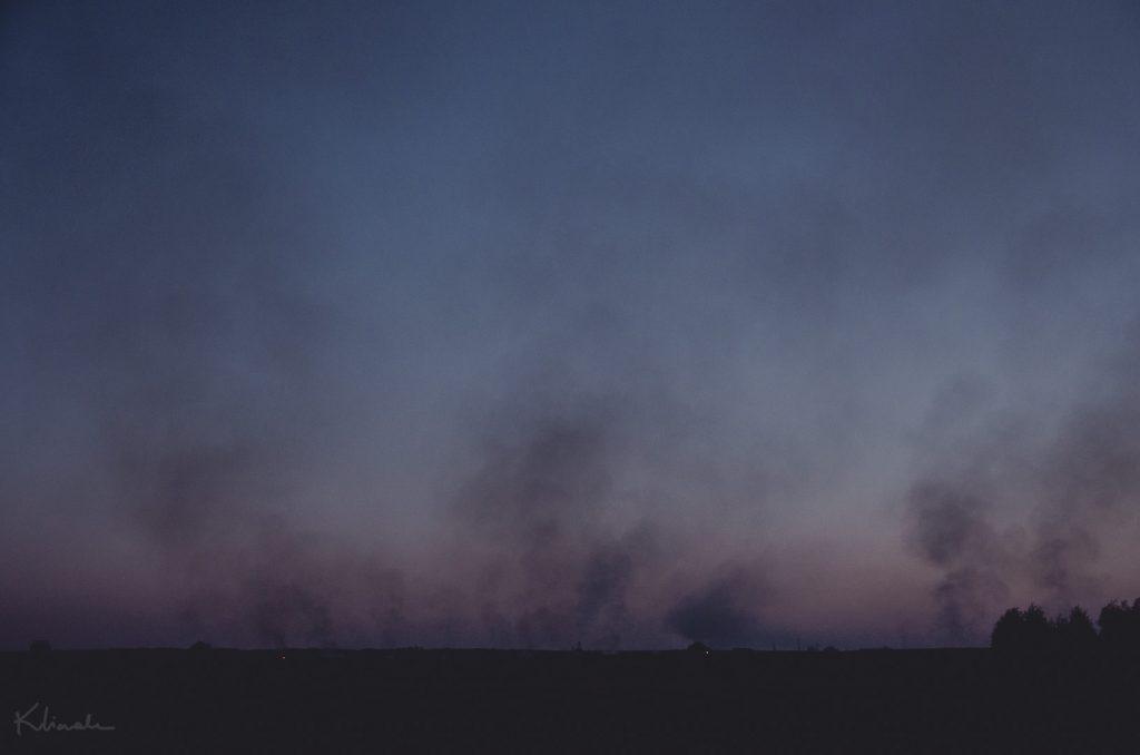 dym-wypalanie-pol-traw