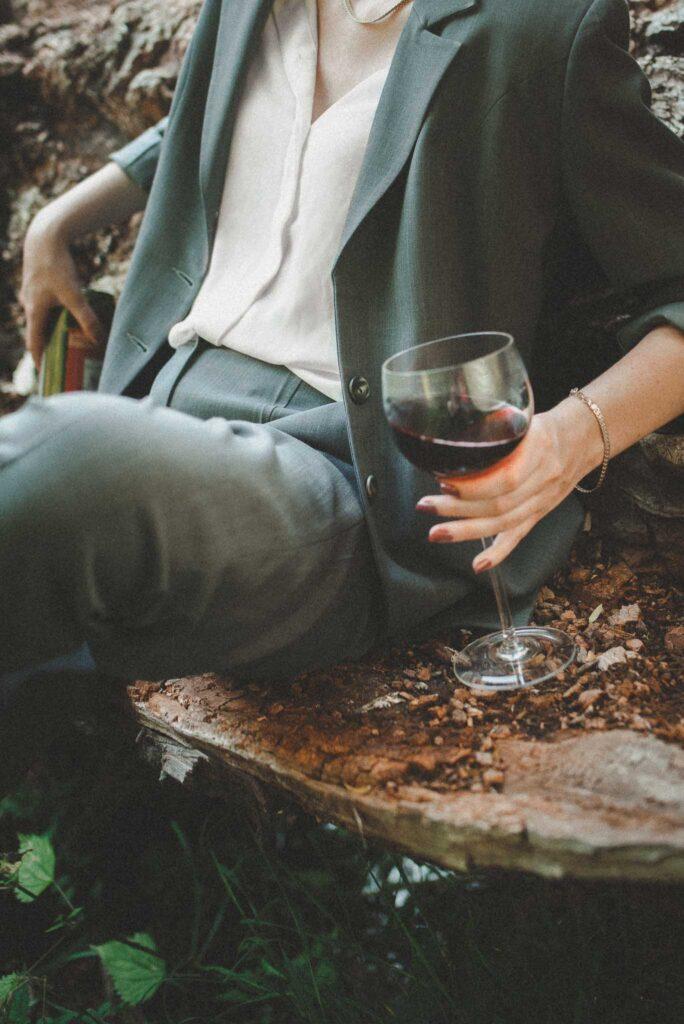 wino w ręce